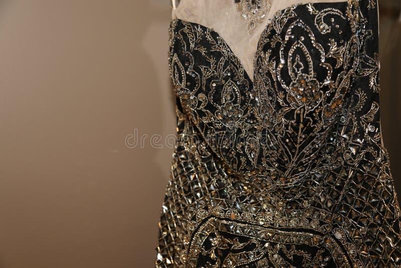 De formele kledingstukindustrie die buitensporige toga's voor Nieuwjaren of Prom vervaardigen! royalty-vrije stock afbeeldingen
