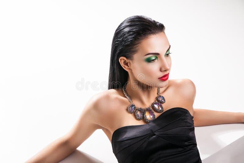 De foto van de manier van jonge prachtige vrouw royalty-vrije stock afbeeldingen