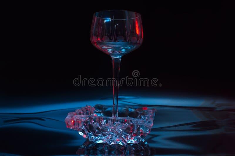 De foto van het kristalwijnglas stock fotografie