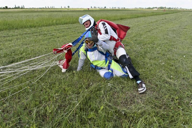 De foto van Skydiving. Achter elkaar. stock foto
