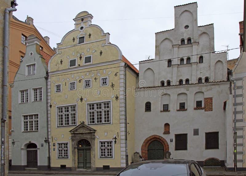 ` De frères du ` trois de point de repère à Riga, Lettonie images libres de droits
