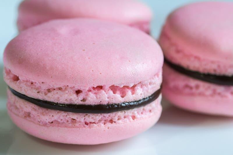 De Franse cakes van woestijn roze macaron royalty-vrije stock fotografie