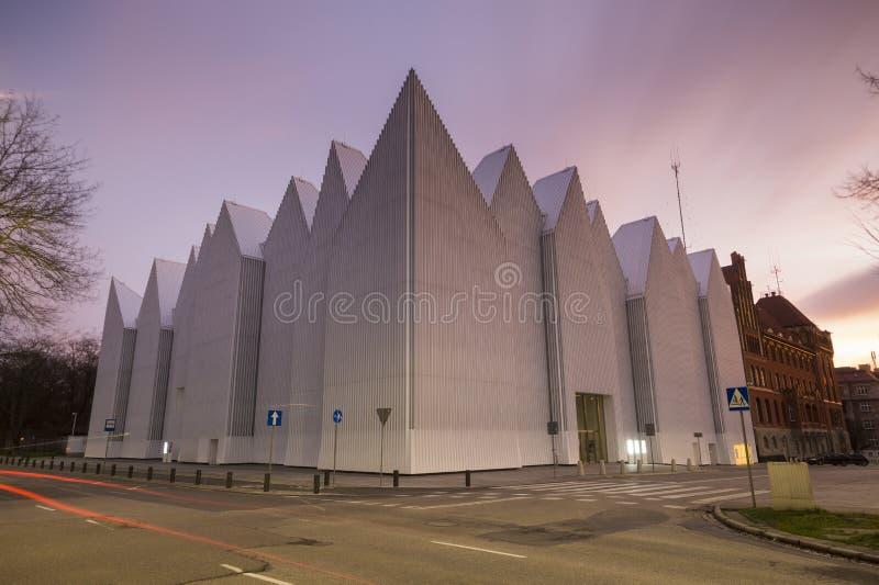 De futuristische bureaubouw in Filharmonische Szczecin stock afbeelding