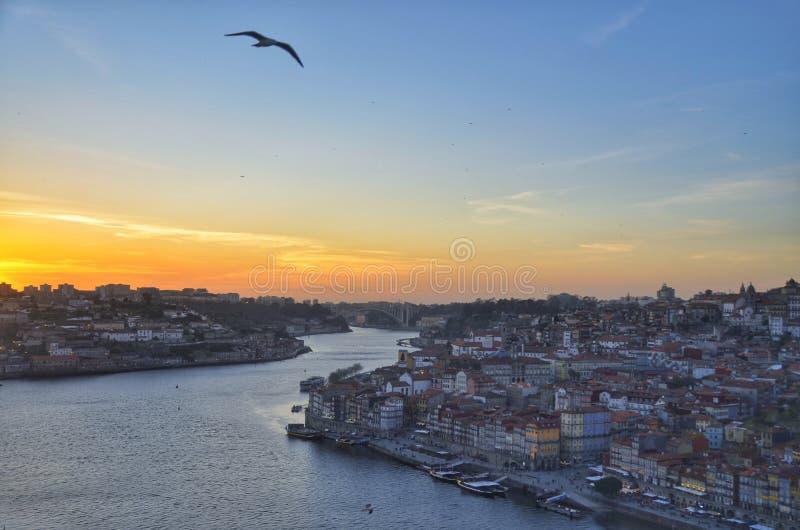 De Gaia a Oporto imagenes de archivo