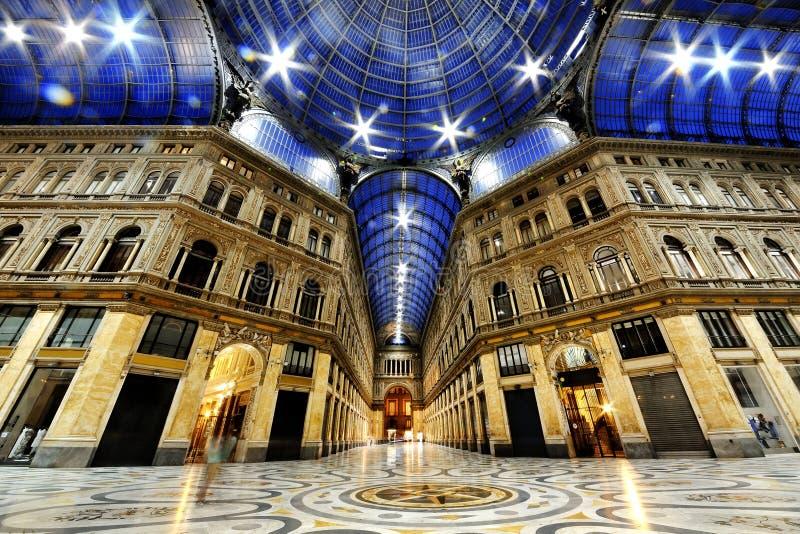 De galerij van Umberto I 's nachts, Napels, Italië royalty-vrije stock afbeelding