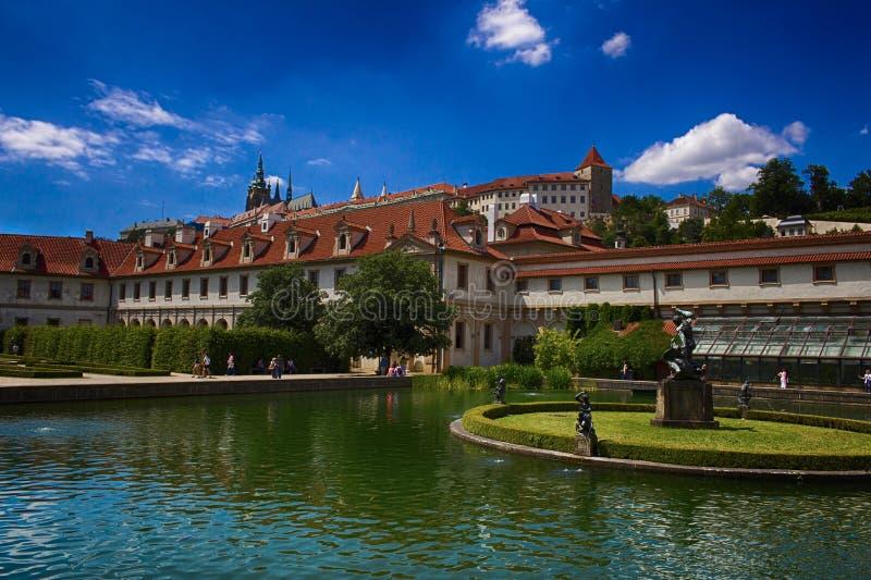De gamla trädgårdarna av Prague fotografering för bildbyråer