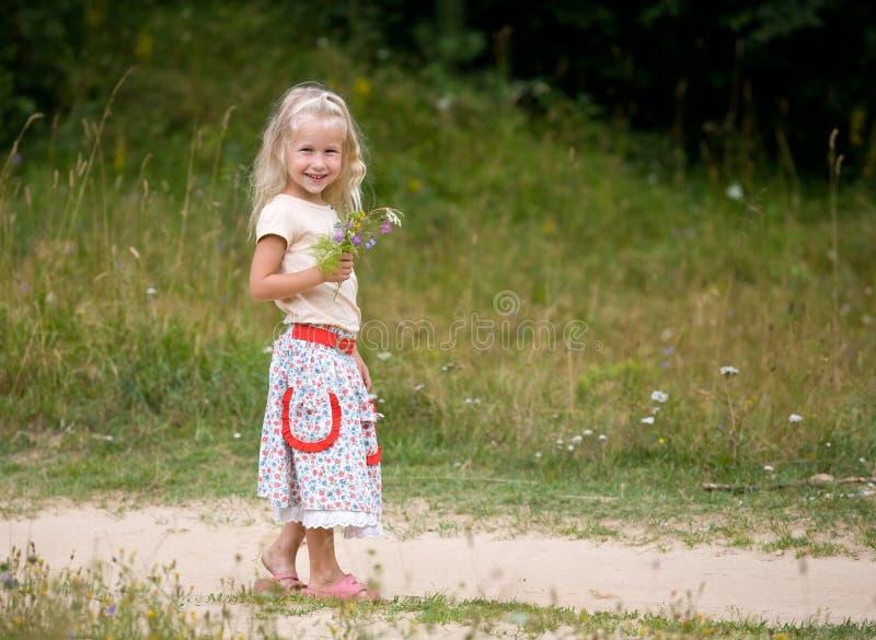 De gang van de zomer stock foto's