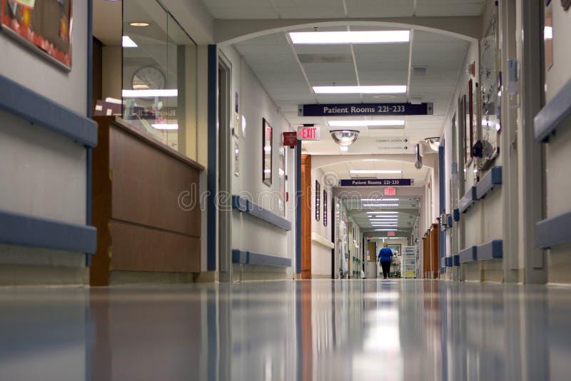 De Gang van het ziekenhuis stock fotografie