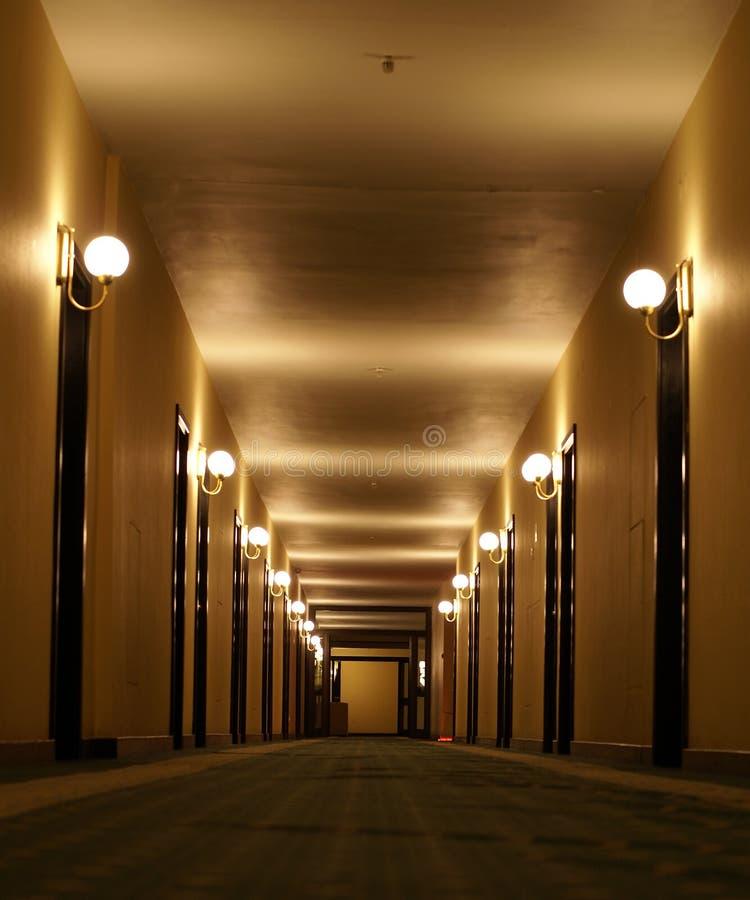 De gangperspectief van het hotel royalty-vrije stock afbeelding