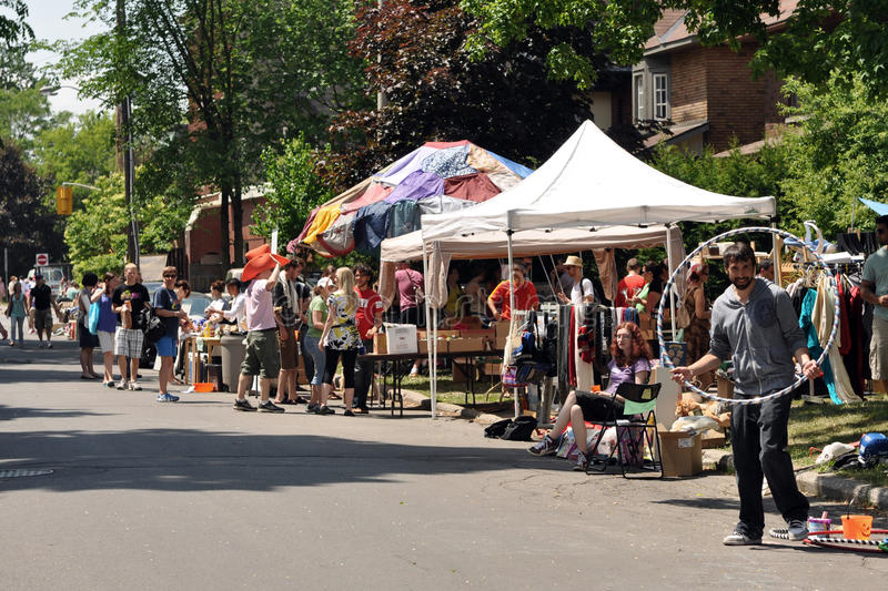 De Garage sale van Glebe in Ottawa stock afbeeldingen