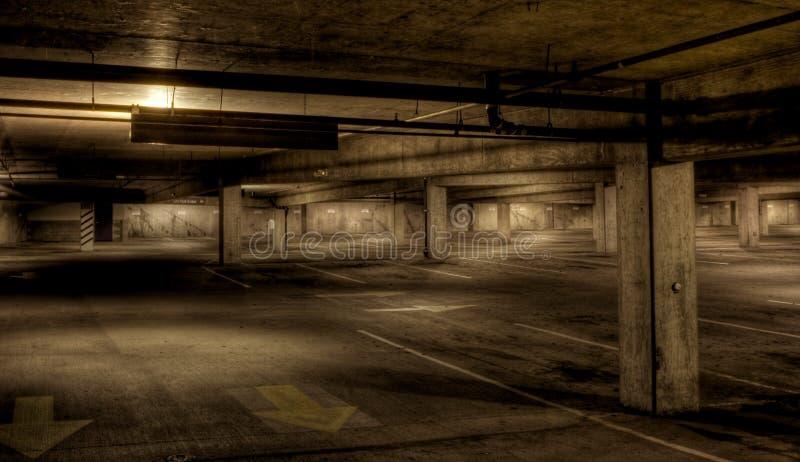 De Garage van het parkeren royalty-vrije stock afbeelding