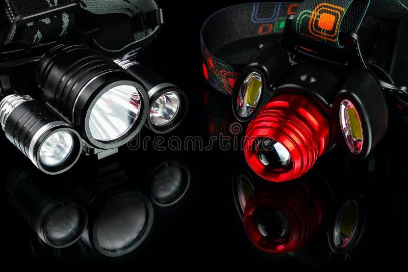 De geanodiseerde koplamp van het aluminium waterdichte tactische flitslicht stock fotografie