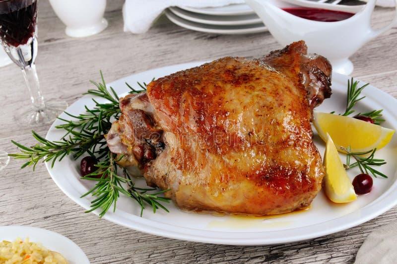 De gebakken dij van Turkije stock afbeelding
