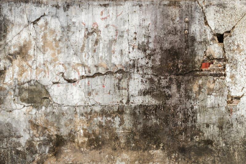 De gebarsten concrete achtergrond van de muurtextuur stock foto's