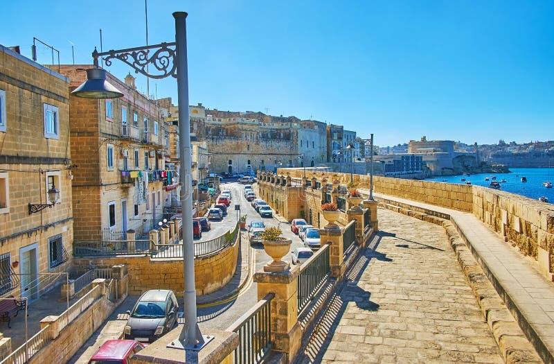 De gebogen borstwering van Birgu, Malta stock afbeelding