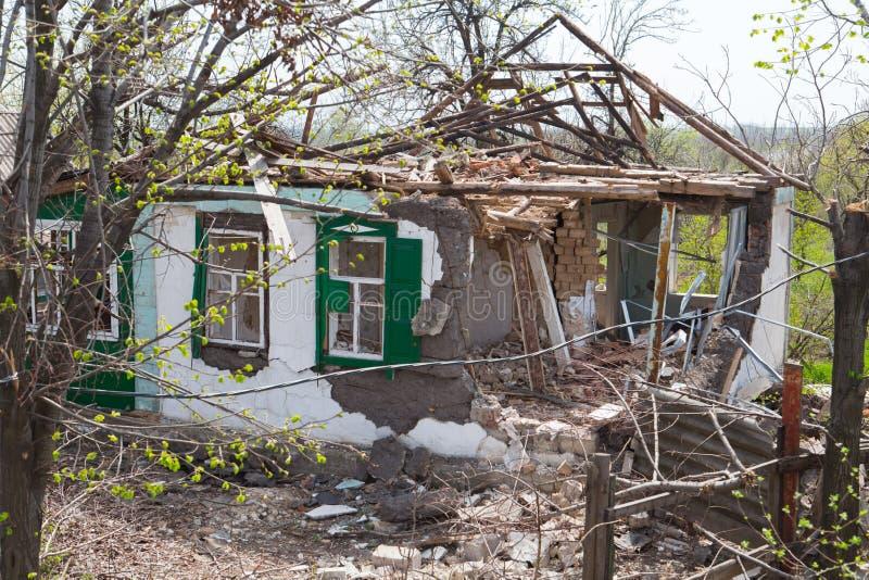 De gebombardeerde Bouw stock afbeeldingen