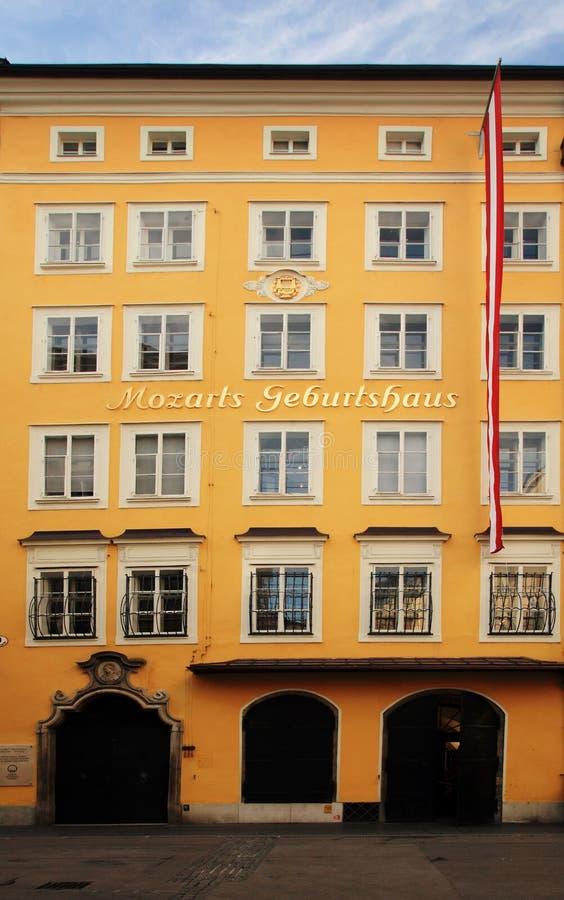 De geboorteplaats van Mozart in Salzburg royalty-vrije stock fotografie