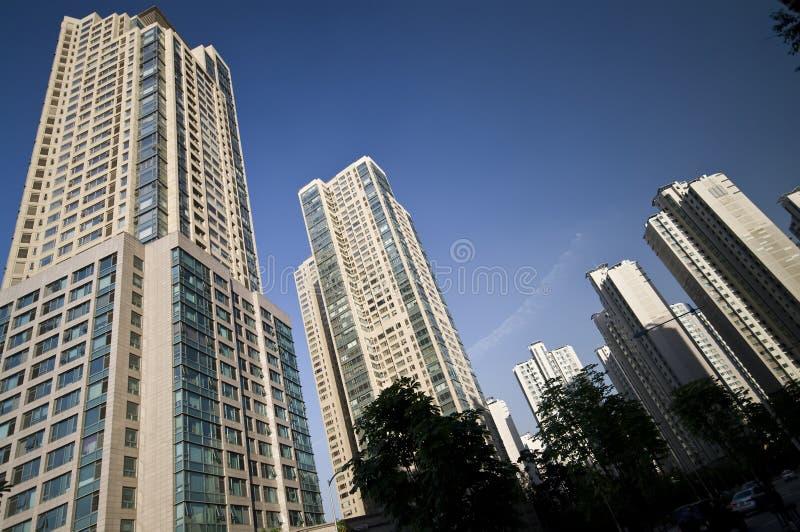 De gebouwen van de wolkenkrabber royalty-vrije stock afbeeldingen