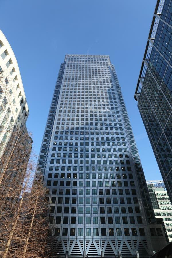De gebouwen van de wolkenkrabber in de Werf Londen het UK van de Kanarie royalty-vrije stock afbeelding