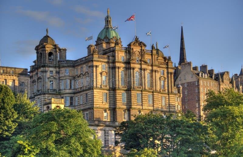 De Gebouwen van Edinburgh in Zonsondergang stock afbeeldingen