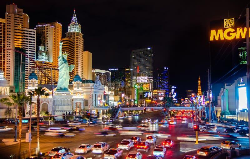 De gebouwen van het casino en New York - het Hotel van New York bij nacht stock fotografie