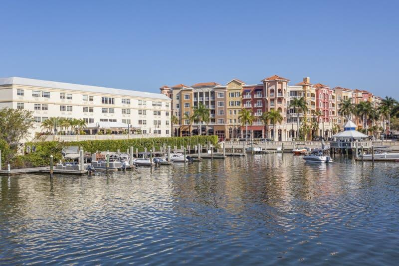 De gebouwen van Napels bayfront, Florida, de V.S. stock afbeeldingen
