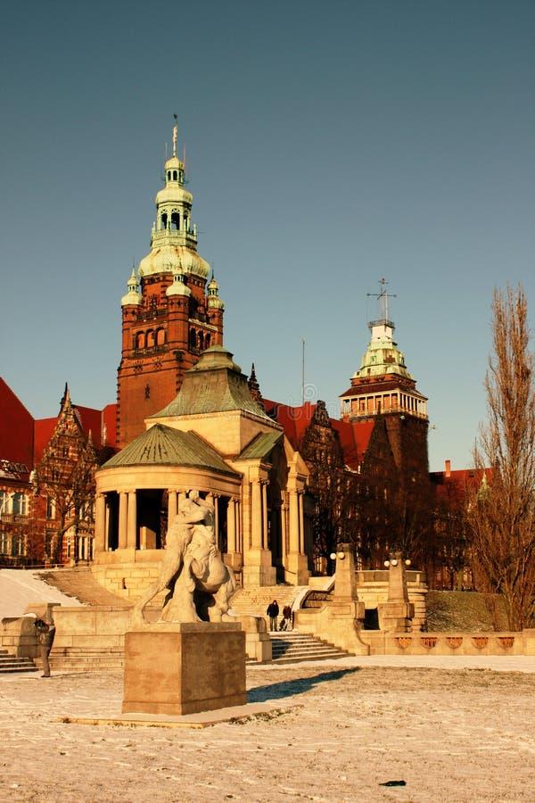 De gebouwen van Szczecin bij rivier Odra stock foto