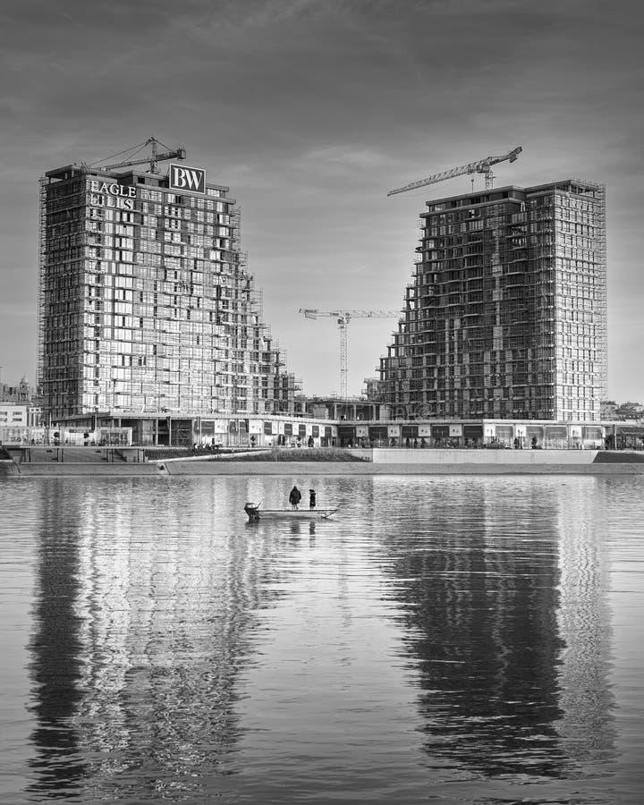 De gebouwen van de Waterkant van Belgrado royalty-vrije stock afbeeldingen