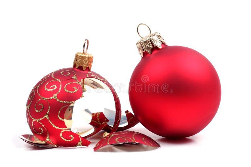 De gebroken bal van Kerstmis stock foto
