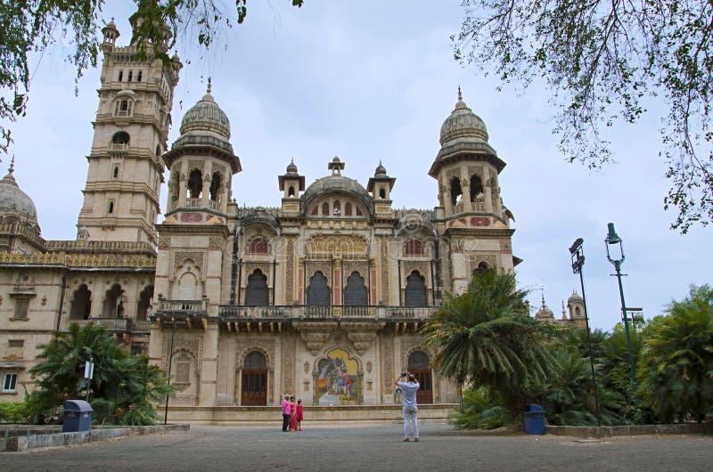 De gedeeltelijke mening van Lakshmi Vilas Palace, werd gebouwd door Maharadja Sayajirao Gaekwad derde in 1890, Vadodara Baroda, G royalty-vrije stock foto