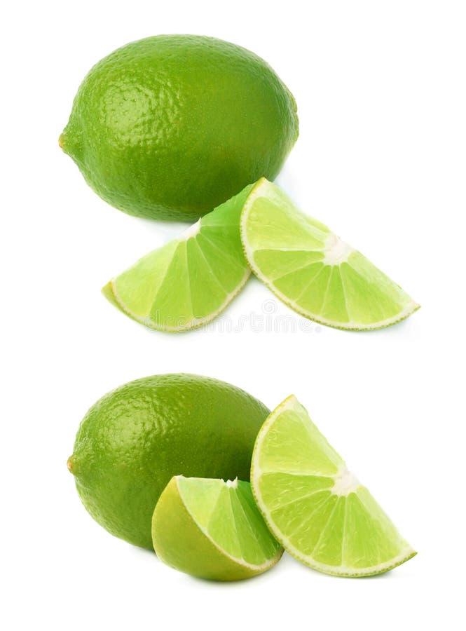 De gediende die samenstelling van het kalkfruit over de witte achtergrond, reeks wordt geïsoleerd verschillende foreshortenings stock afbeeldingen