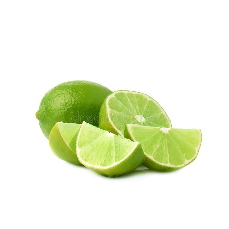 De gediende die samenstelling van het kalkfruit over wordt geïsoleerd stock foto