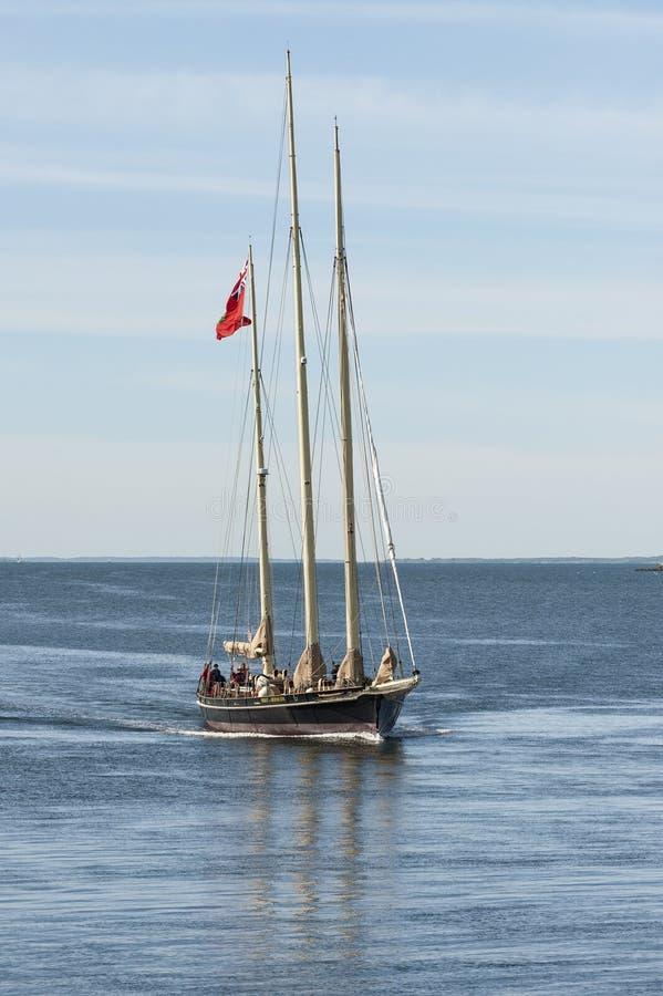 De Geest van het opleidingsschip van de rubriek van de Bermudas naar Fairhaven onder macht stock foto