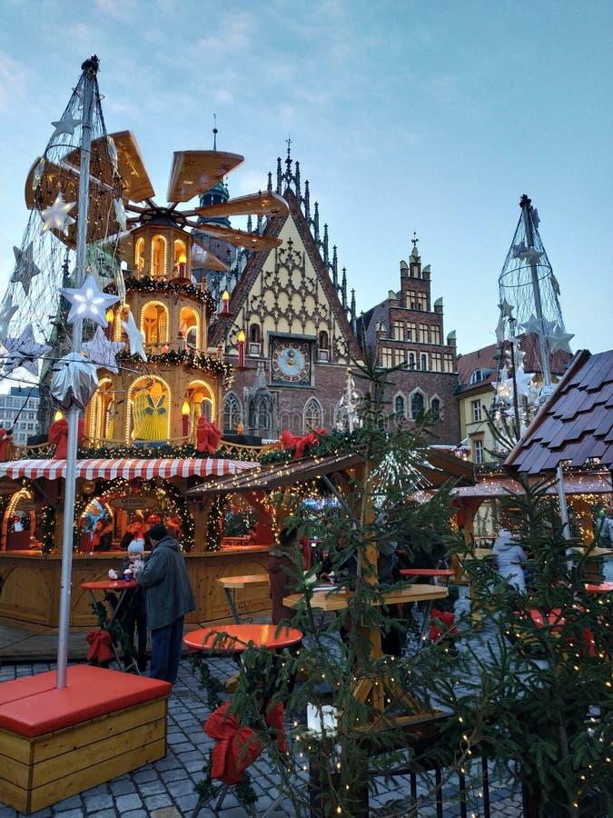 De geest van Kerstmis? met Kerstman en Noel royalty-vrije stock afbeeldingen