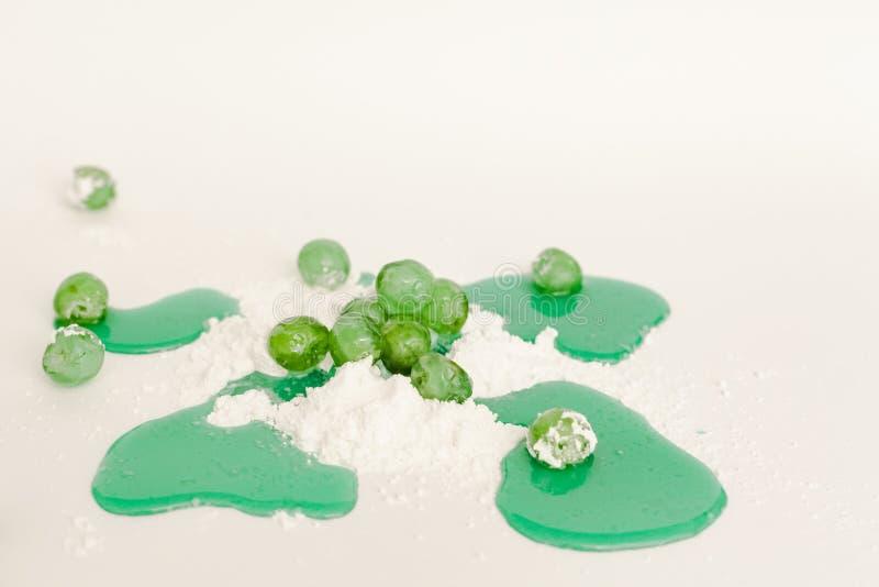 De geglaceerde groene stroop van de kersensuiker royalty-vrije stock afbeelding