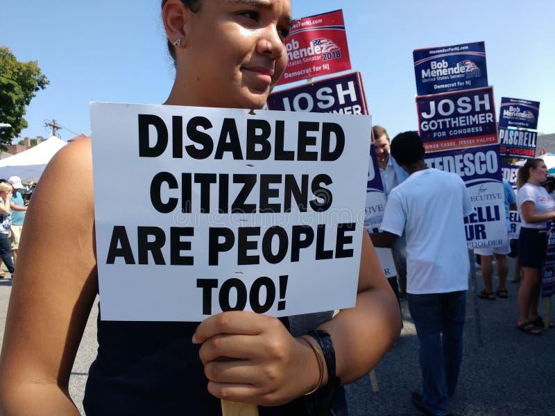 De gehandicapte Burgers zijn ook Mensen! stock fotografie