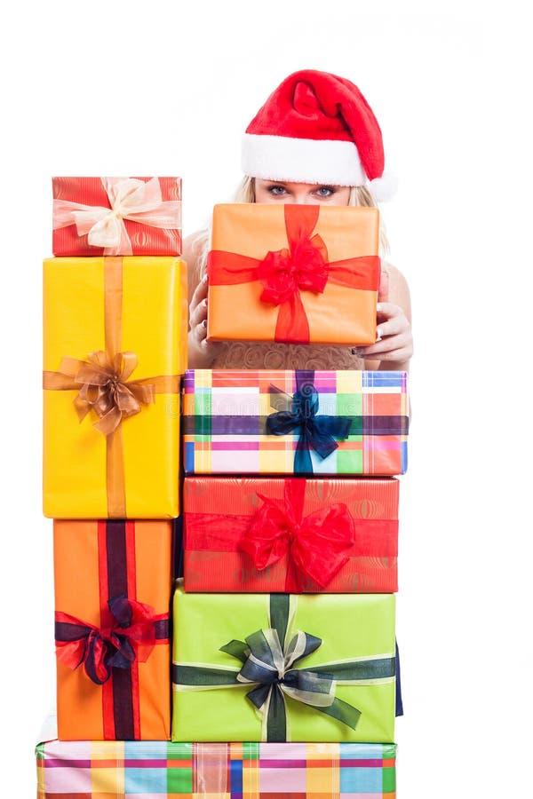 De geheime Kerstmisvrouw met stelt voor royalty-vrije stock fotografie