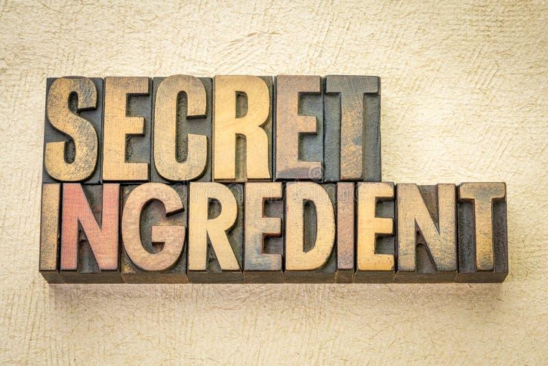 De geheime samenvatting van het ingrediëntenwoord in houten type stock afbeelding