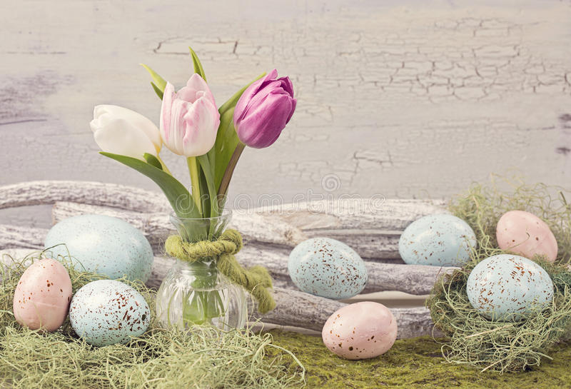 De gekleurde decoratie van pasen pastelkleur stock foto afbeelding 64639884 - Foto van decoratie ...