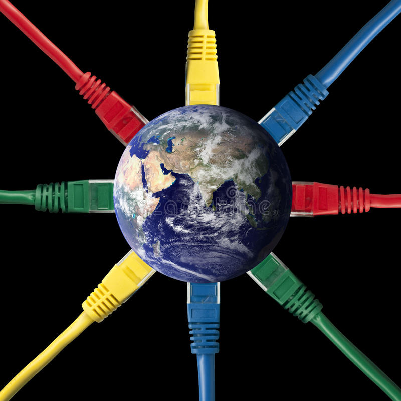 De gekleurde Kabels van het Netwerk die met de Aarde worden verbonden stock foto's