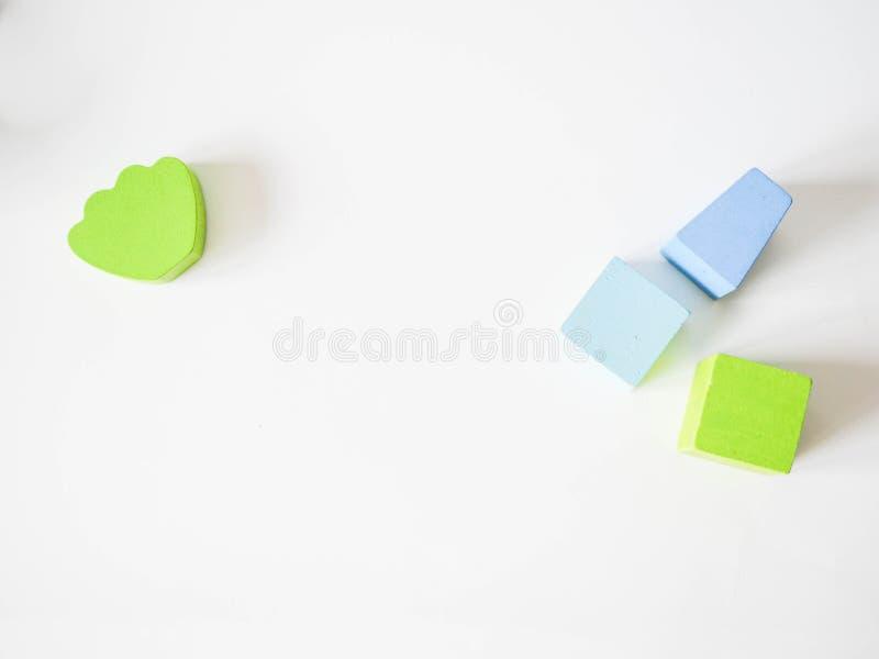 De gekleurde kubussen van kinderen stock fotografie
