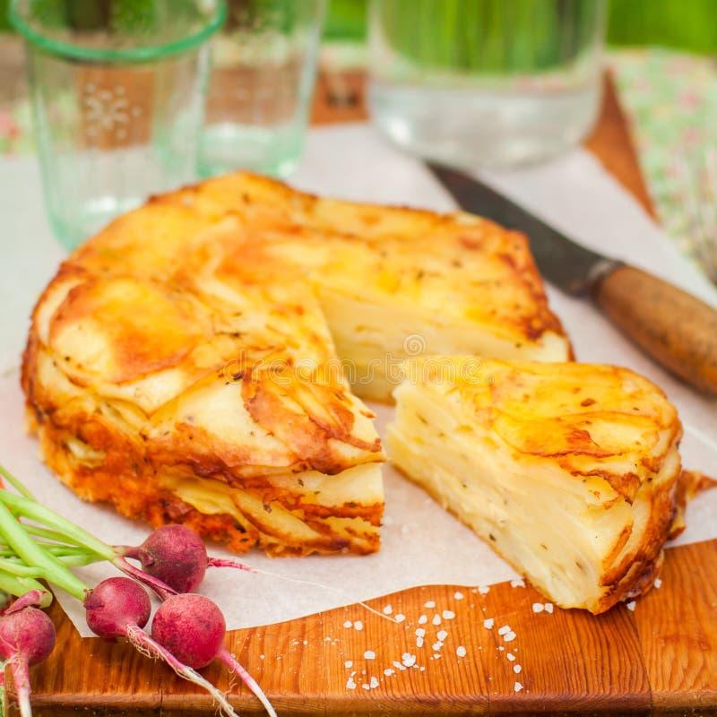 De gelaagde Aardappel bakt stock fotografie