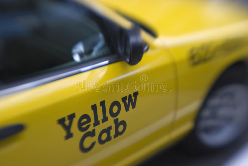 De gele Cabine van de Taxi stock foto's