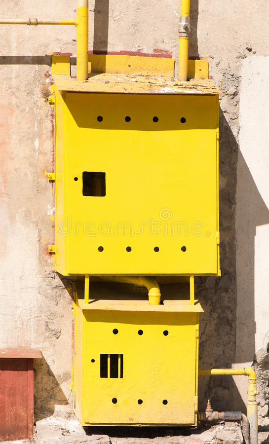De gele doos van de gasmeter royalty-vrije stock foto