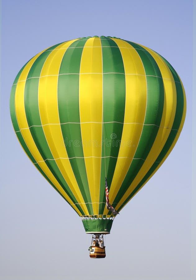 De gele en Groene Ballon van de Hete Lucht stock foto's