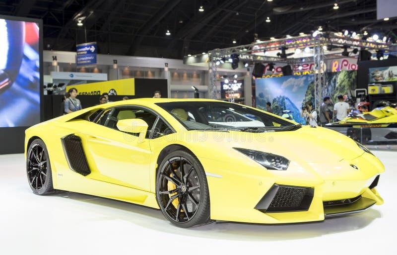 De gele super sportwagen van Lamborghini royalty-vrije stock foto's