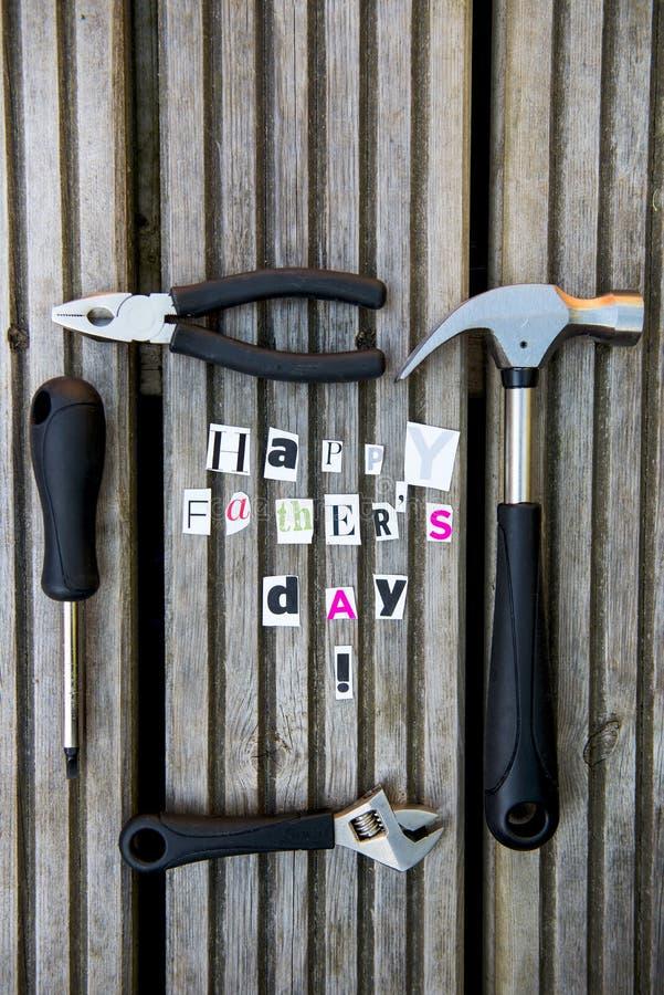 De gelukkige die Brieven van de Vadersdag van Tijdschrift en Hulpmiddelen worden verwijderd stock foto's