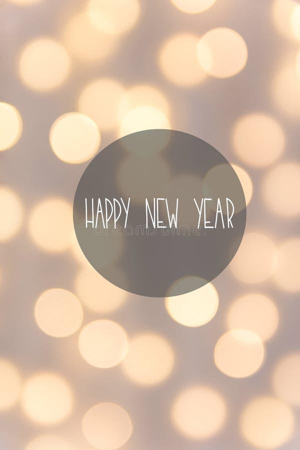 De gelukkige kaart van de Nieuwjaargroet De mooie achtergrond van de pastelkleurvakantie De gouden zachte gloed van slinger bokeh vector illustratie