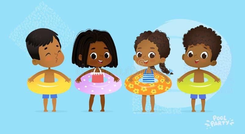 De gelukkige Multiculturele Partij van het Vrienden Zwembad Internationaal Karakter met Blauwe Gele en Oranje Ring op Pretoverzee royalty-vrije illustratie