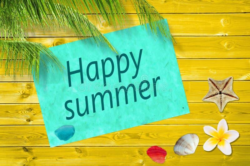 De gelukkige zomer die op een document wordt geschreven royalty-vrije stock afbeelding